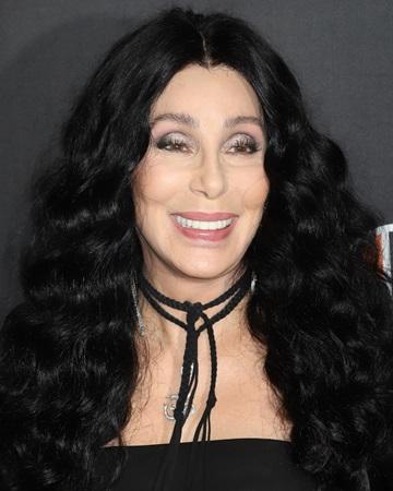 Cantante y 'Diosa del pop'  Cher